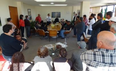 Feirantes estiveram reunidos com o prefeito no gabinete
