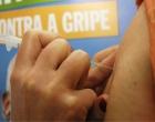 Gripe: criança vacinada pela primeira vez deve voltar ao posto para segunda dose