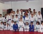Judocas da Escola Marquês realizam troca de faixa