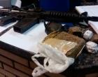 Réplica de fuzil, revólver e maconha são apreendidos pela BM em Imbé