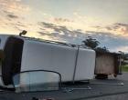 Veículo tomba após colisão em Osório