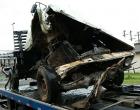 Dois ficam feridos ao capotar veículo na BR-101