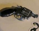 Jovem de 16 anos é flagrado com simulacro de revólver no centro de Tramandaí