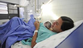Operadoras e hospitais estão obrigados a credenciar a atuação de enfermeiros obstétricos no acompanhamento de trabalho de partoMarcelo Camargo/Agência Brasil