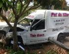 Veículo invade pátio de residência após acidente em Osório