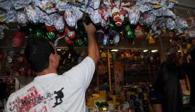 Vendas na Páscoa atingem pior desempenho desde 2007. Queda do poder de compra devido à inflação é um dos motivos, segundo especialistas da Serasa José Cruz/Agência Brasil