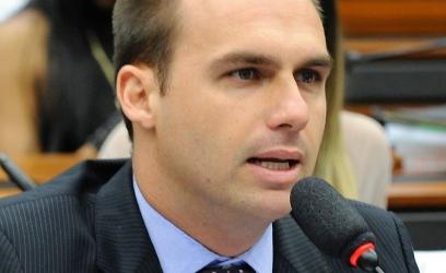 Eduardo Bolsonaro: medida vai ampliar a segurança em centros comerciais