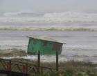 Ciclone: ondas chegam a cinco metros no Litoral Norte