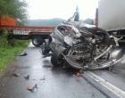 Grave acidente de trânsito mata mãe e filho no Litoral