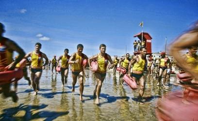 Tramandai´ - RS, 28/12/2009; Realizac¸a~o, no litoral norte, da prova Aquathlon e simulac¸a~o de resgate de vi´tima de afogamento, em comemorac¸a~o ao Dia do Salva-Vidas. FOTO:  Itamar Aguiar / Pala´cio Piratini