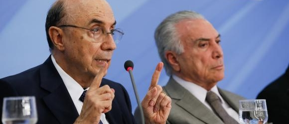 Ministro da Fazenda, Henrique Meirelles, e o presidente Michel Temer durante anúncio do pacote de medidas econômicasBeto Barata/PR