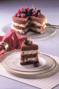 bolo-de-chocolate-com-amendoas-e-nozes-creditos-divulgacao