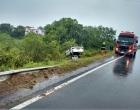 Motorista perde controle de veículo e capota em Santo Antônio da Patrulha