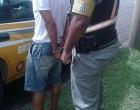 Foragido da justiça é preso pelo CRBM durante abordagem em ônibus na ERS 040