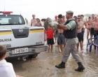 Tartaruga marinha é resgatada na beira mar de Capão da Canoa