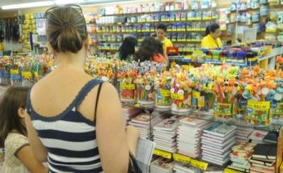 Pesquisar é a principal dica para economizar na compra de material escolarArquivo Agência Brasil