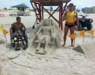 Cadeirante faz pedido emocionante e salva-vidas atende