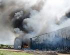 Duas pessoas seguem internadas após incêndio em fábrica de calçados