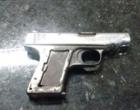 Homem é preso com pistola em praça de Osório