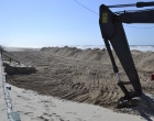 Prefeitura está realizando rebaixamento da areia da praia em Imbé