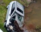 Carro cai em rio no Litoral e polícia encontra cerca de 15 quilos de cocaína