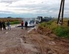 Manifestação bloqueia RSC-101 e estrada da Granja Vargas em Palmares do Sul (vídeo)