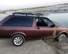 Veículos são encontrados abandonados na beira mar