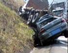 Colisão envolvendo caminhão deixa uma pessoa morta na Rota do Sol
