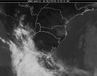 Defesa Civil alerta para chuvas fortes de sábado para domingo