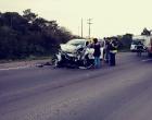 Mulher fica ferida em colisão envolvendo caminhonete e caminhão na RS-030