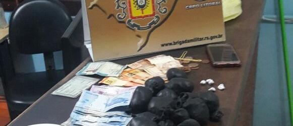 Casal é preso com mais de 600 pedras de crack em Cidreira