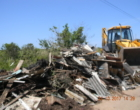 Prefeitura limpa estrada e retira nove toneladas de lixo e entulho em Torres