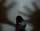 BM encontra criança de dois anos abandonada e trancada dentro de uma casa em Nova Tramandaí