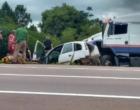 Acidente envolve carreta e quatro carros na Freeway