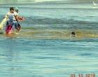 Homem que se afogava é salvo por pescadores na Barra