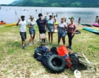 Biologia da Unicnec realiza atividade de limpeza em lagoa de Osório