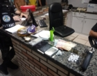 Suspeitos de integrar facção criminosa da capital são presos no Litoral