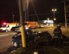 Veículo colide em poste e deixa feridos na ERS-040