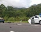 Foragido tenta fugir da polícia e bate o carro na BR-101 em Osório
