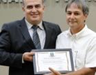 Oficial escrevente é homenageado por seus mais de 30 anos dedicados ao Fórum de Osório