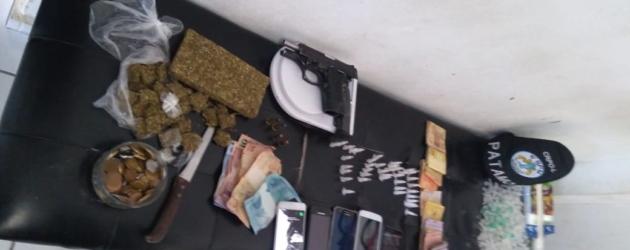 Membros de facção criminosa são presos com maconha e cocaína em Cidreira