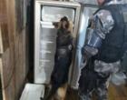 Cães do canil do 8°BPM localizam drogas dentro de geladeira em residência de Tramandaí