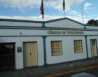 Vereadores questionam contratação de retroescavadeira terceirizada em Santo Antônio da Patrulha