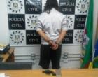 Homem assalta pedestre com arma de brinquedo em Balneário Pinhal