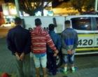 Adolescentes são flagrados com drogas prontas para a venda e moto roubada em Osório