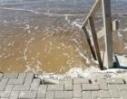 Litoral gaúcho pode registrar ondas de até cinco metros e ressaca