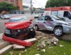 Colisão entre veículos deixa uma pessoa ferida no centro de Osório