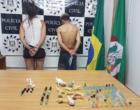 Pinos de cocaína e crack, além de maconha são apreendidos em operação em Balneário Pinhal
