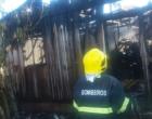 Residência é destruída pelo fogo em Santo Antônio da Patrulha