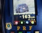 850 motoristas são flagrados em alta velocidade na freeway